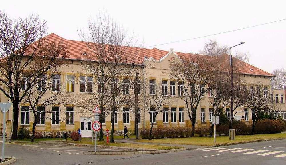 Kiskőrösi Gimnázium épülete