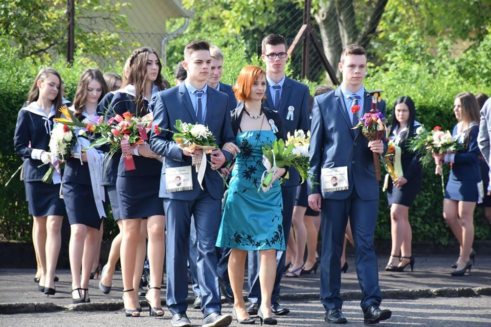 Elballagtak a kiskőrösi középiskolák végzős diákjai