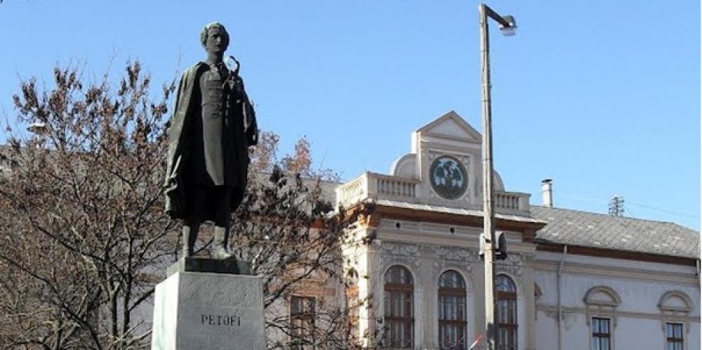 Kiskőrös második Petőfi-szobra
