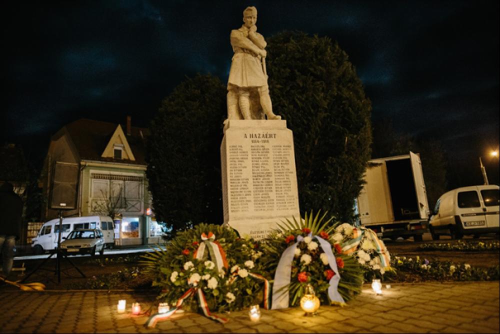 Szomorú katona szobra (I. világháborús emlékmű)