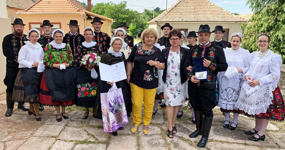 Kitüntetéssel ismerték el a Szivárvány Szlovák Táncegyüttest