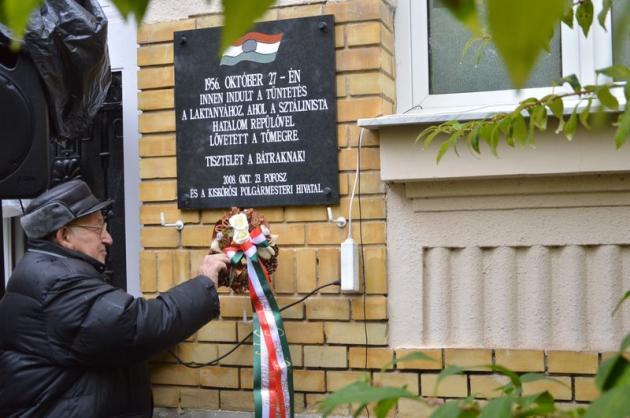 Az 1956-os forradalom 60. évfordulójára emlékezett a város